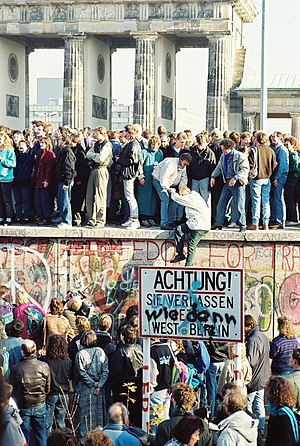 Word of the year (Germany) - Image: Berlin Wall Brandenburg Gate