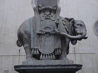 Elephant and Obelisk - Image: Bernini elephant right