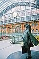 Betjeman's statue, St Pancras Station.jpg