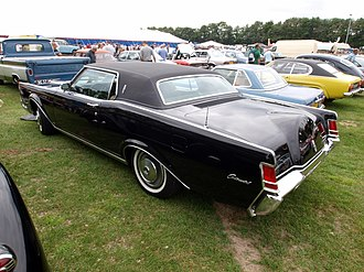 Radial tire - First American car fitted with radial tires standard: 1970 Lincoln Continental Mark III
