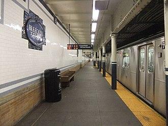 Bleecker Street/Broadway–Lafayette Street (New York City Subway) - Platform for the uptown local 6 train