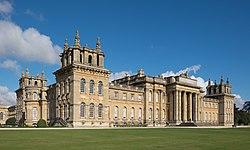 Blenheim Palace south view 2016.jpg