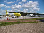 Boeing 737-300 na lotnisku w Bydgoszczy.jpg