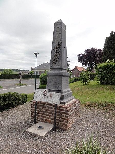 Braye-en-Thiérache (Aisne) monument aux morts