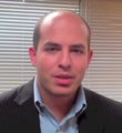 Brian Stelter.png