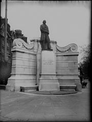 Brunel statue Temple London 1857.jpg