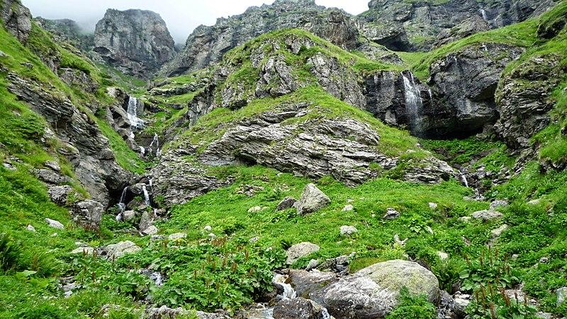 File:Bulgaria - Balkan Mountains - Central Balkan - panoramio (9).jpg