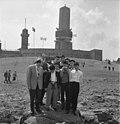 Bundesarchiv B 145 Bild-F008603-0006, Besichtigung Feldberg-Taunus, Schüler aus Japan.jpg