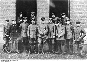 """Bruno Loerzer - May 1918 members of """"Jasta"""" 26: Loerzer is in the middle; at far right Fritz Beckhardt"""