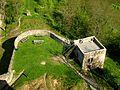 Burg Falkenstein Turm und Mauer vom Bergfried.jpg