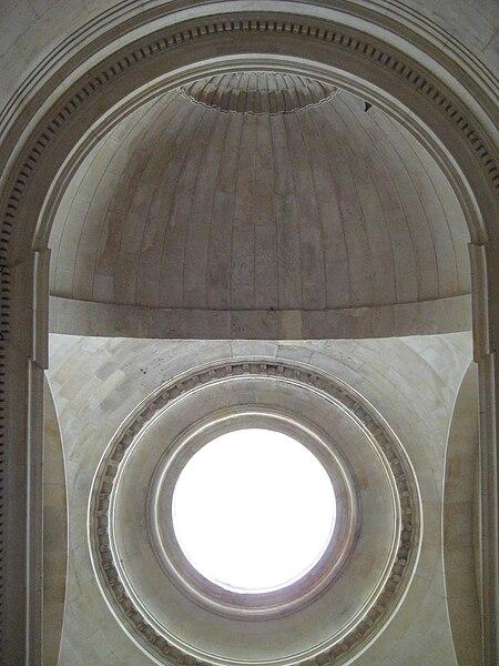 Plafond de l'escalier de la cour d'appel du palais de justice de Caen (Calvados)