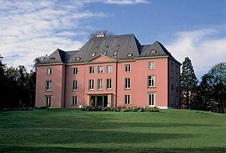 Graduate Institute of International and Development Studies - The Villa Barton campus on the shores of Lake Geneva.
