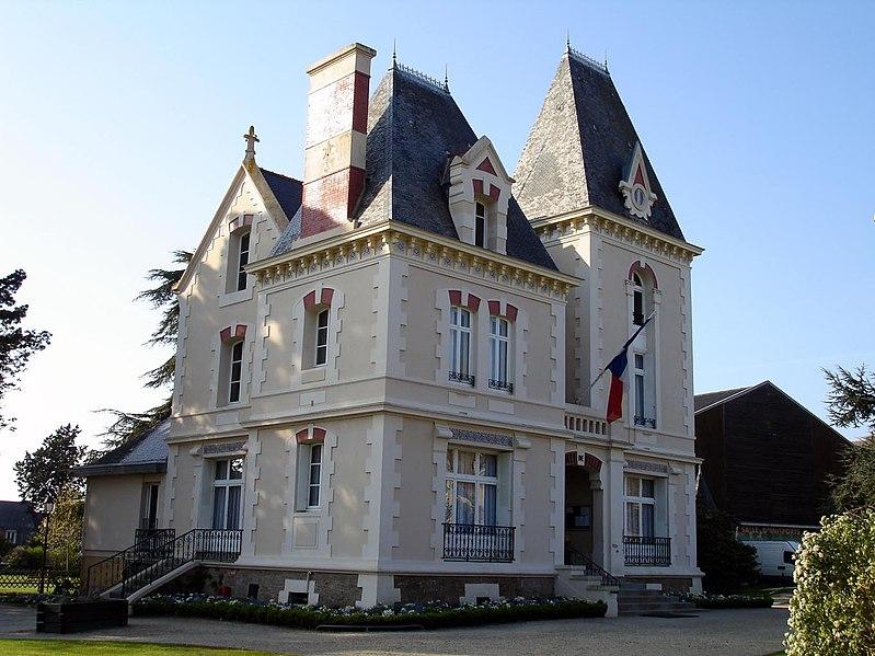 File:Cancale - Mairie 01.jpg