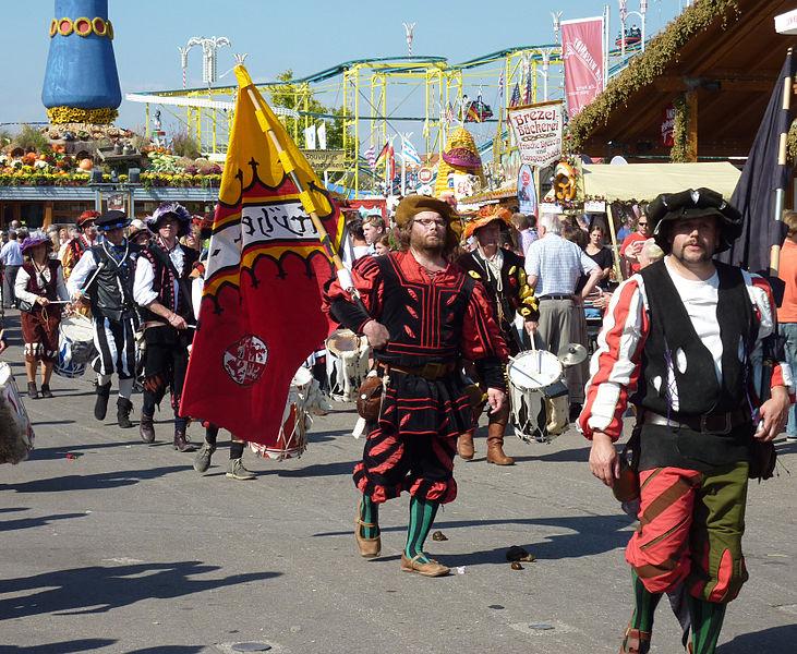 File:Cannstatter Volksfest 2011 Landsknechte.jpg