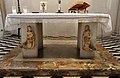 Cappella portinari, altare con angeli del xiv secolo 01.jpg