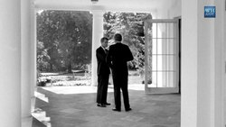 Датотека:Catching Up with The Curator- The Presidential Portrait of John F. Kennedy.webm