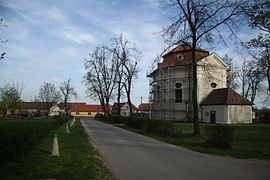 Center with church of Saint John of Nepomuk in Litohoř, Třebíč District.JPG