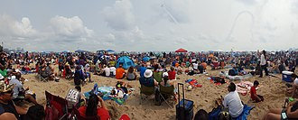 Chicago Air & Water Show - Image: Chicago Air & Water Show from North Avenue Beach