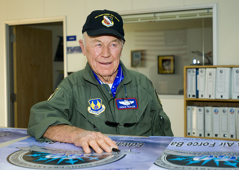 File:Chuck Yeager Sept 2007.jpg