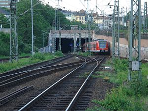 S4 (Rhine-Main S-Bahn) - S4 entering the Frankfurt Citytunnel