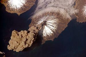 Prägend für die Aleuten: Vulkane; hier Mount Cleveland