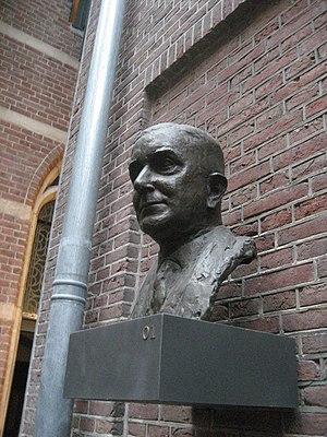 Rudolph Cleveringa - Cleveringa (bust by Eja Siepman van den Berg)