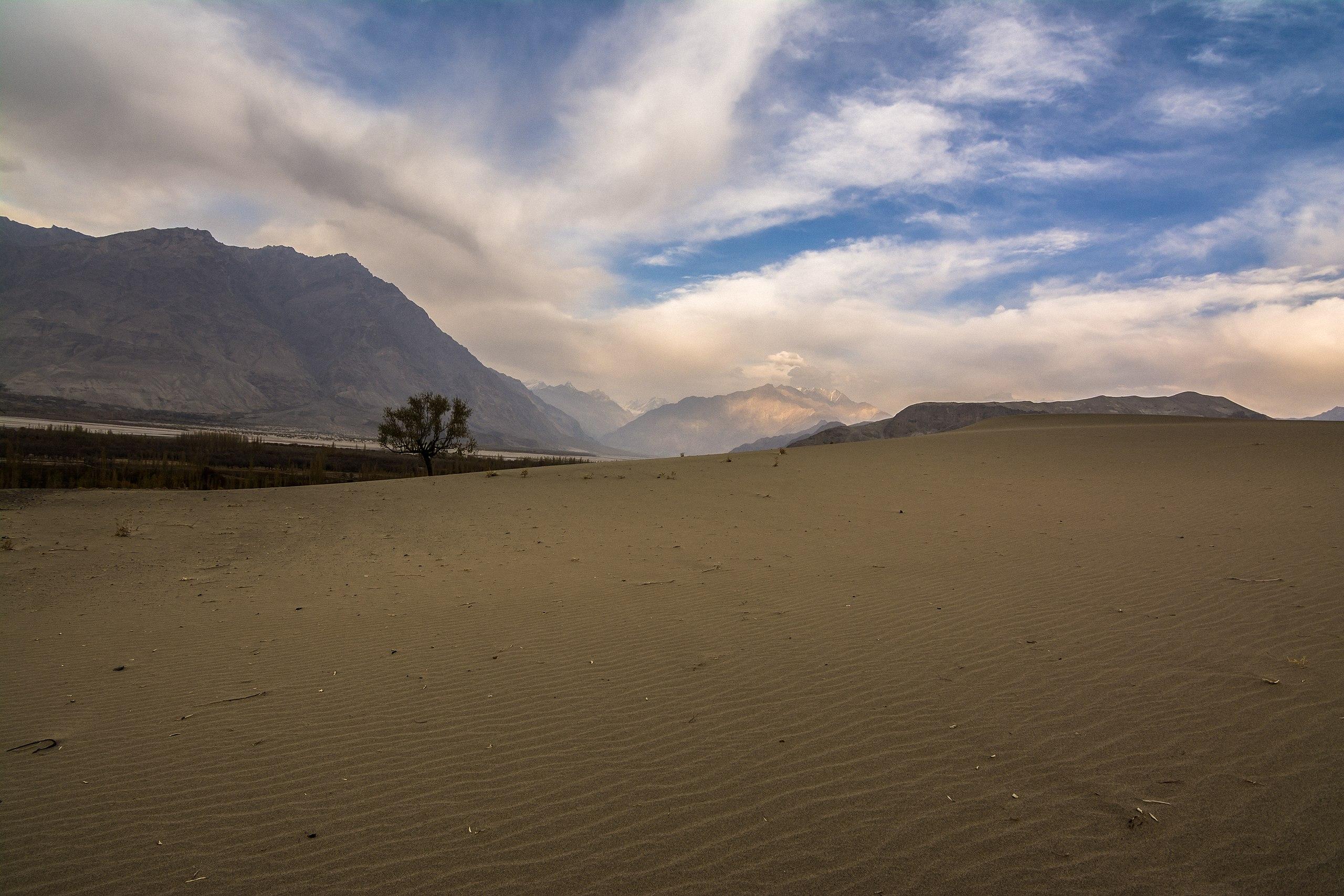 File Cold Deserts Skardu Jpg Wikimedia Commons