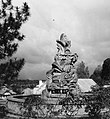 Collectie NMvWereldculturen, TM-20001012, Negatief- Monument voor degenen die zijn gevallen tijdens de vrijheidsstrijd, Boy Lawson, 1971.jpg
