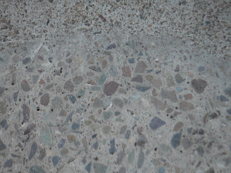 Concrete aggregate grinding