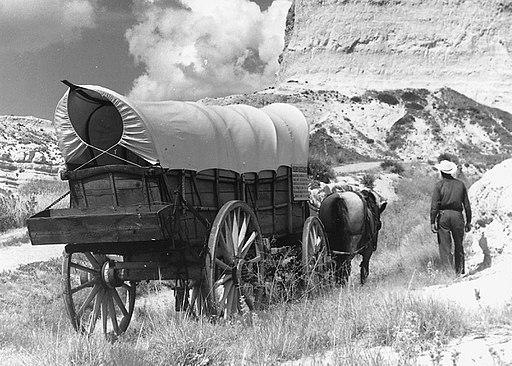 Conestoga wagon on Oregon Trail - NARA - 286056 crop