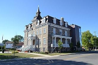 Saint-Roch-de-l'Achigan, Quebec - Image: Couvent de Saint Roch de l'Achigan 11