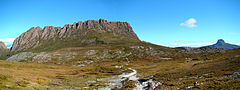 Panorama Cradle Mountain z zachodu.