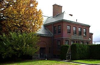 Cranch School - Image: Cranch School Quincy MA 02