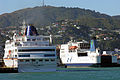 Cruise liner and ferry, Wellington, New Zealand, 2006 - Flickr - PhillipC.jpg