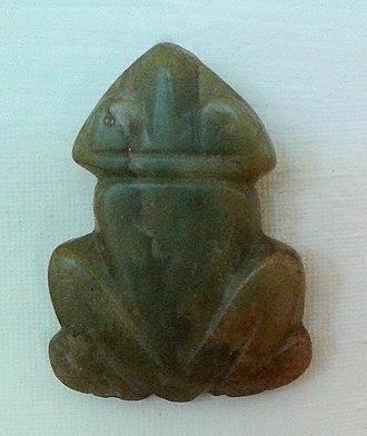 Muiraquitã - Frog-shaped Muiraquitã. Collection of the National Museum of Brazil, Rio de Janeiro.