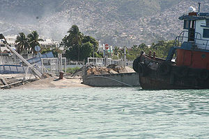 Damage to Port-au-Prince harbor 2010-01-13 2.JPG