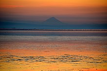 Damavand view from Caspian sea - panoramio.jpg