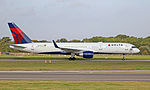Delta B757 N709TW (21765995976).jpg