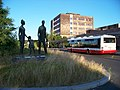 Depo Hostivař, socha a autobus.jpg