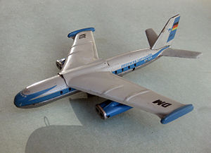 Baade 152 - Toy of the 152 in the livery of the East German Deutsche Lufthansa