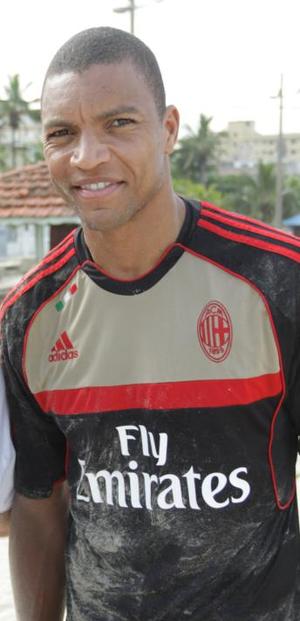 Dida (footballer, born 1973) - Dida in 2012