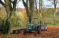 Dieser Deutz-Trecker (Traktor) dient dem Chefgärtner Vladimir Anfalov aus Petersburg zur Pflege der Parkanlage Hermannshof in Völksen.jpg
