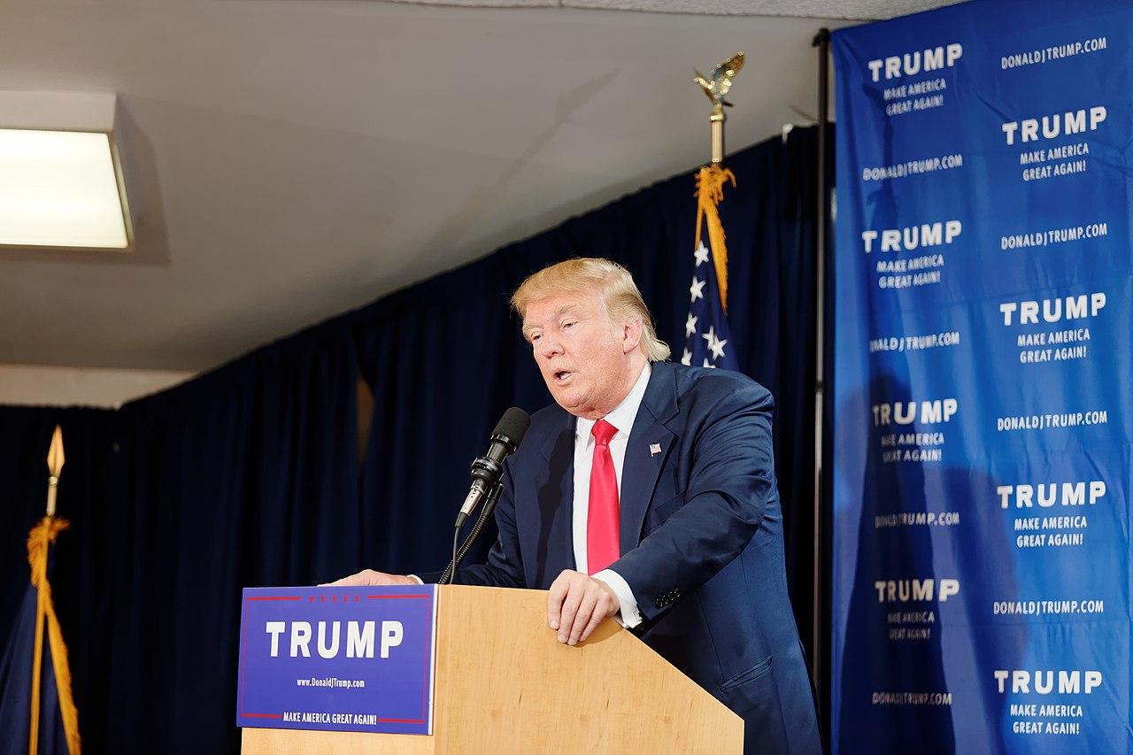 File:Donald Trump Laconia Rally, Laconia, NH 3 by Michael Vadon July ...