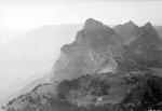 ETH-BIB-Holzegg mit Mythen, Alp Rothenfluh v. S. O. aus 1900 m-Inlandflüge-LBS MH01-006551.tif