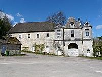 Ecot-la-Combe-Porterie du château.jpg