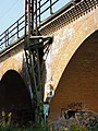 Eisenbahnviadukt Wiederitzsch in der Rietzschkeniederung im August 2017c.jpg