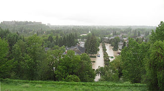 Elbow River - The Elbow River flooding the Elbow Park neighborhood in Calgary on 21 June 2013