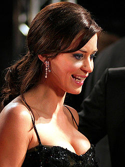 Emily Blunt a British Academy Film Awards-on, 2007 februárjában