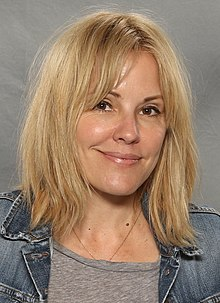 Emma Caulfield (36015857965).jpg