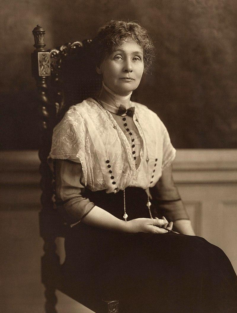 Emmeline Pankhurst, seated (1913).jpg